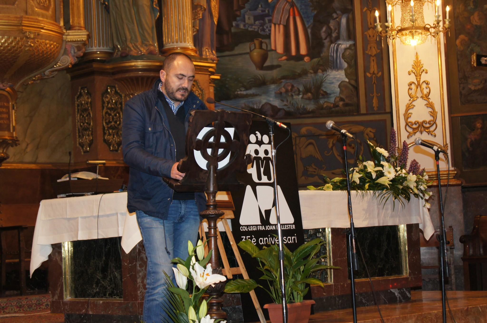 EMOTIU ACTE DEL 35 ANIVERSARI DE L'APA DEL COL.LEGI FRA JOAN BALLESTER