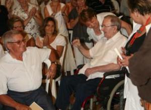 Gori Mir en l'acte d'homenatge que li va fer l'Obra Cultural de Campos