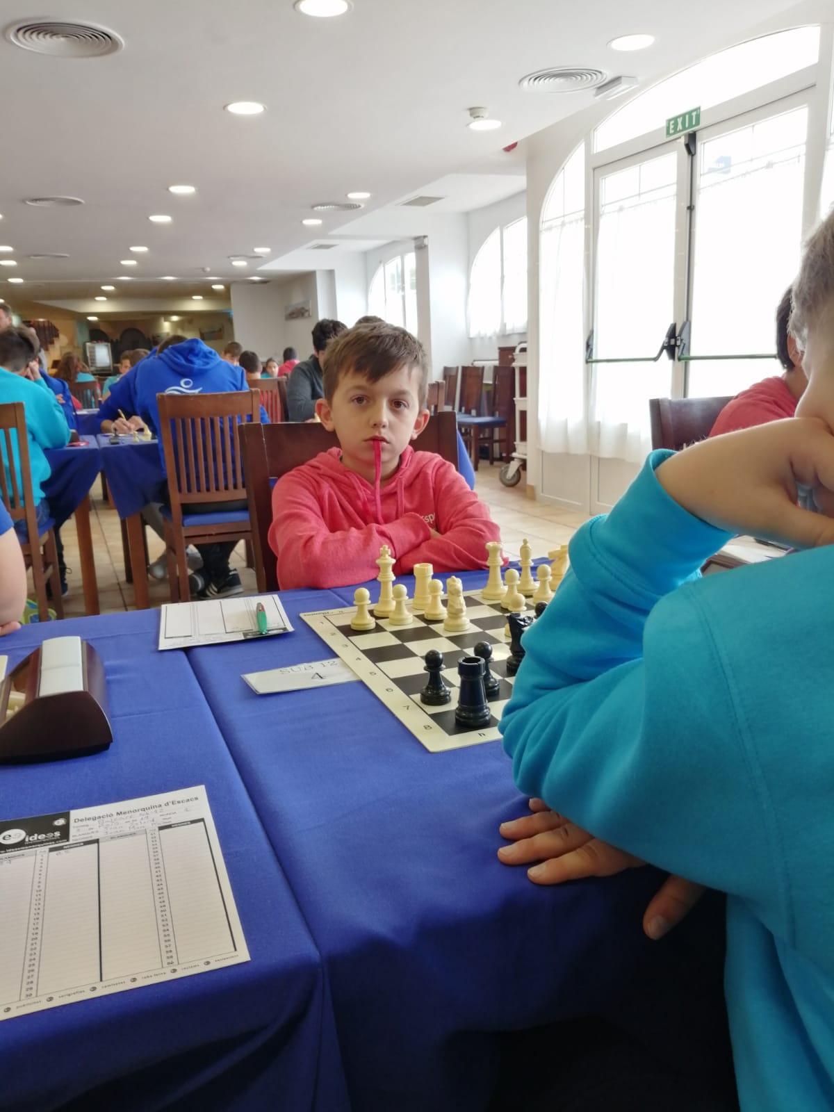 Susana Rubert i Francesc Mulet juguen el Campionat de Balears Escolar d'escacs