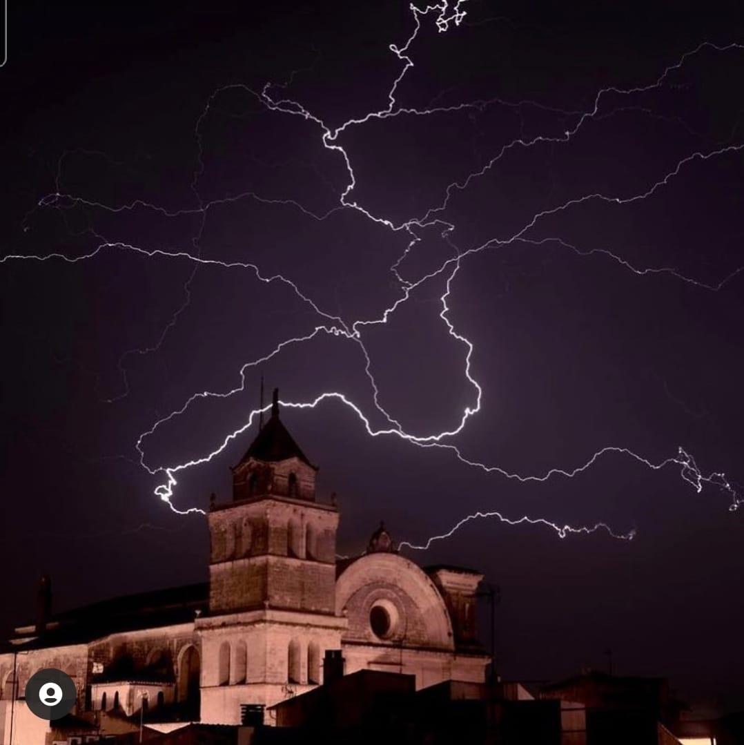Espectaculars fotografies de Miquel Mulet de la tempesta de dia 1 i 2 de juny